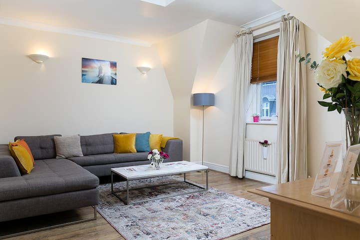 1-bedroom apartment on Oxford street