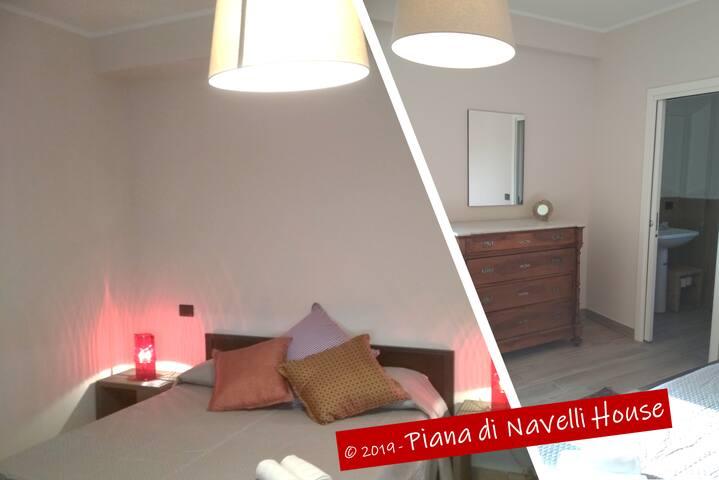 Piana di Navelli House, camera matrimoniale Nonna Peppina con bagno interno.