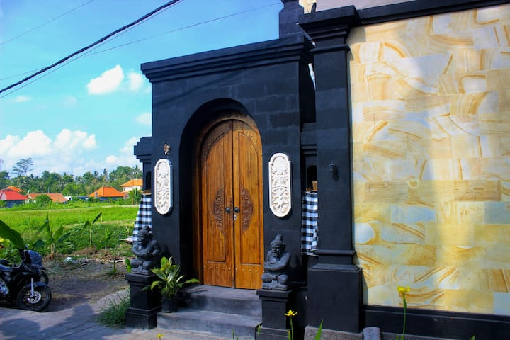 Dede House 2, Private Pool and rice field view