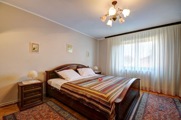 APARTMENT  NIKOLIC FIRST FLOOR 6-8  - Valbandon - House