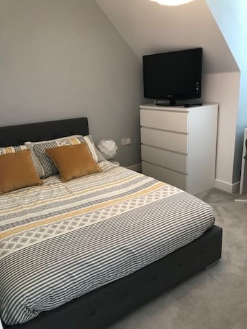 Lovely double bedroom with a private bathroom