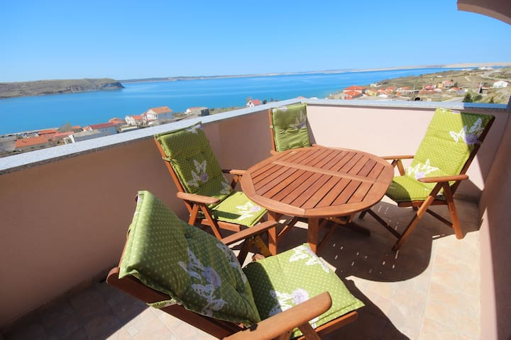 Njaco-2bedroom ap with Terrace and sea view( A7)