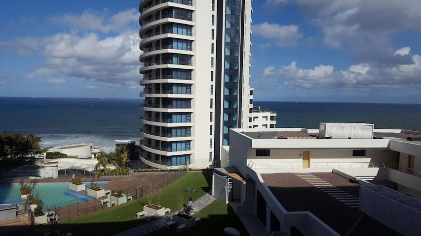 Umhlanga in Style! Beautiful Pearls Apartment.
