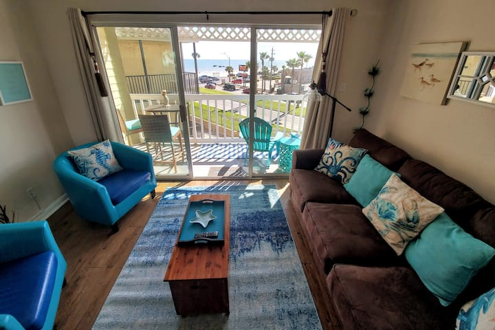 Beachfront updated blue condo. Heated pool