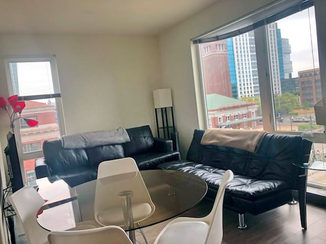 1 BR  Rental  Condo in Pioneer Square