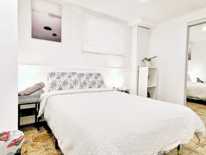Private Bedroom in Toronto North York #2