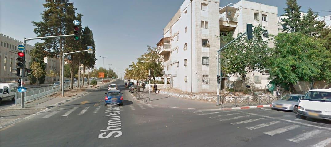 Nice Apartment close to Yeshiva Mir