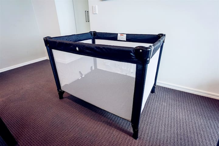 A portable cot could be provided(Please contact us in advance if needed) 可提供一个便携婴儿床(如果需要请提前告知)