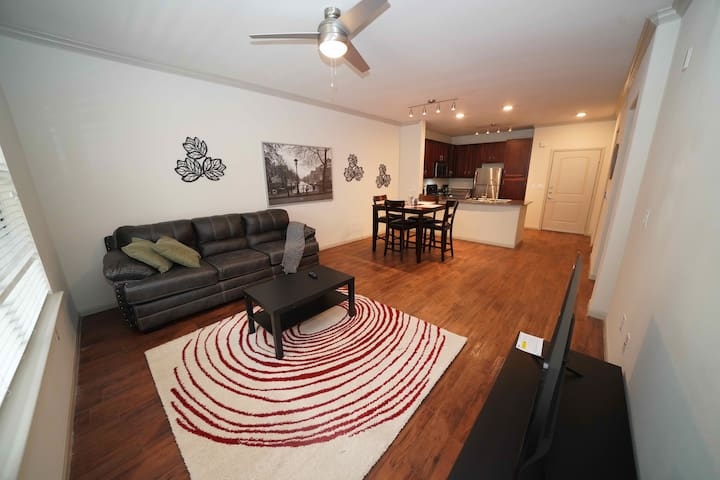 HarlowStays | Top View 1BR | Memorial City