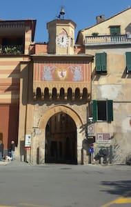 nel cuore del borgo medioevale