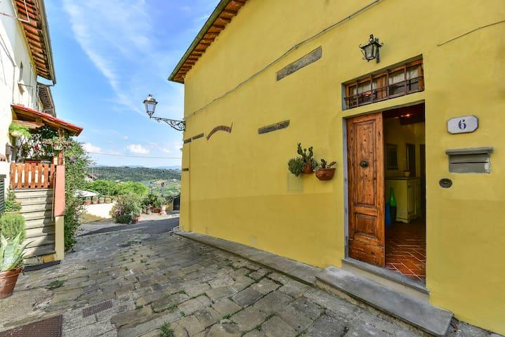 Casa in piccolo borgo storico del Chianti - Romola - House