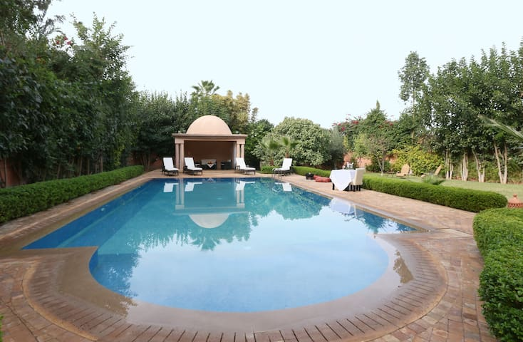 EXCEPTIONAL HOUSE EXCEPTIONAL PRICE - Marrakech - Hus