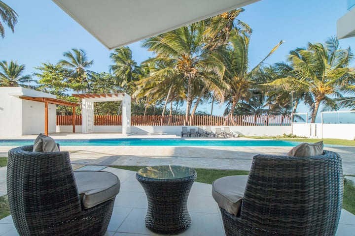 0053-Deluxe oceanfront condo for rent in Cabarete.
