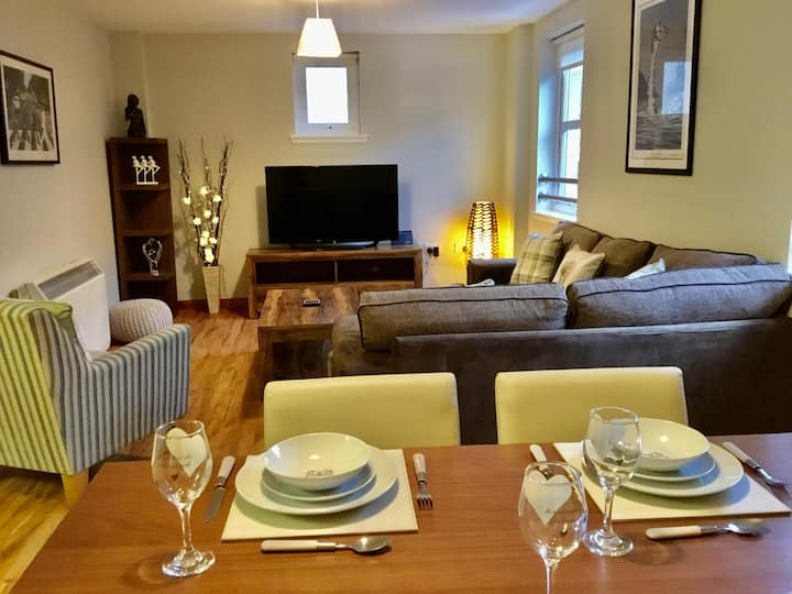 La Scala Inverness City Apartment