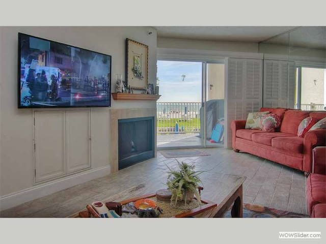 LHPT 103 - Beachfront Condo Overlooking the Shimmering Shoreline of Redington Beach - Redington Shores - Apartament