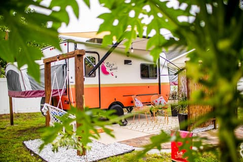 The CAMPERMelon close to Universal/Downtown
