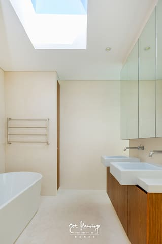 Contemporary & light bathroom with double vanity