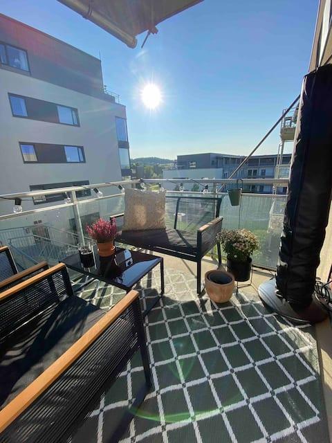 Koselig leilighet med nydelig veranda