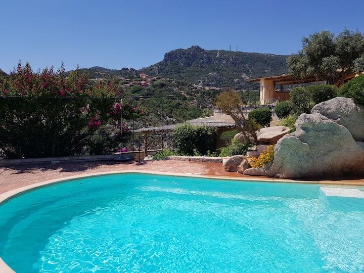 villa con piscina, 5 minuti dalla spiaggia