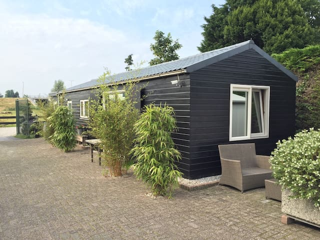 Private house (3pers), close to Dordrecht - Hendrik-Ido-Ambacht - Hytte
