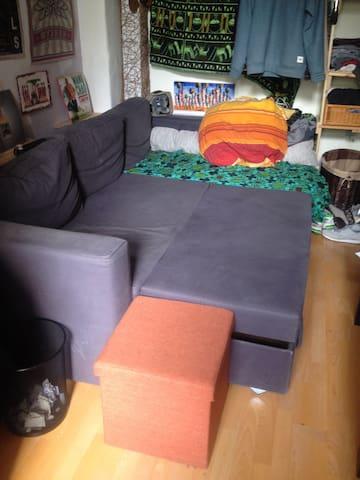 Zimmer zentral mit 2-4 Schlafmöglichkeiten - Hannover - Huoneisto