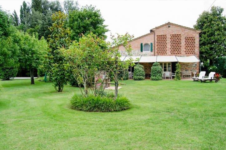 Stone-built country villa with private garden&pool - Castelfranco di sotto - Vila