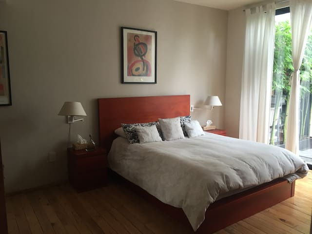 Room w/ terrace and private bathroom in San Angel - Mexiko-Stadt