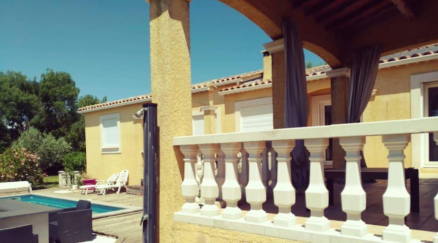 Jolie villa avec piscine entre Cévennes et mer