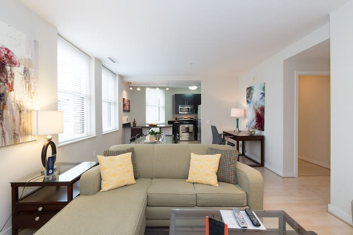 [1375-2ST] Luxury 2BR Apartment - Near White House