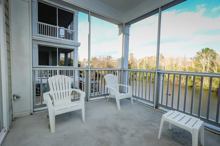 Relax & Refresh at this 1BR Suite at Seaside Inn!