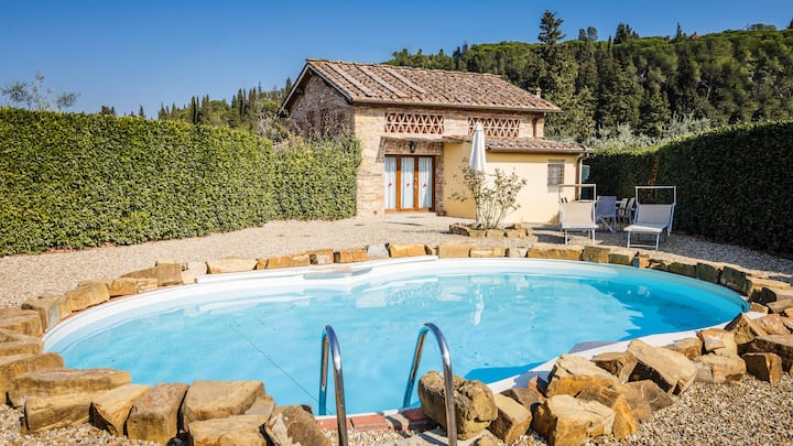 Villa with private garden and pool in Impruneta