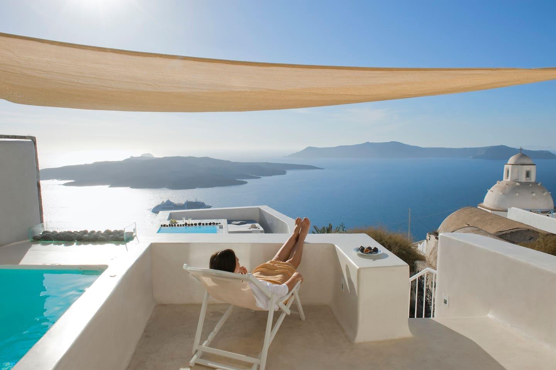 Airbnb: top 20 thera vacation rentals, vacation homes & condo ...