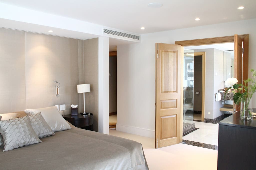 Main bedroom with Emperor size bed and large en-suite bathroom