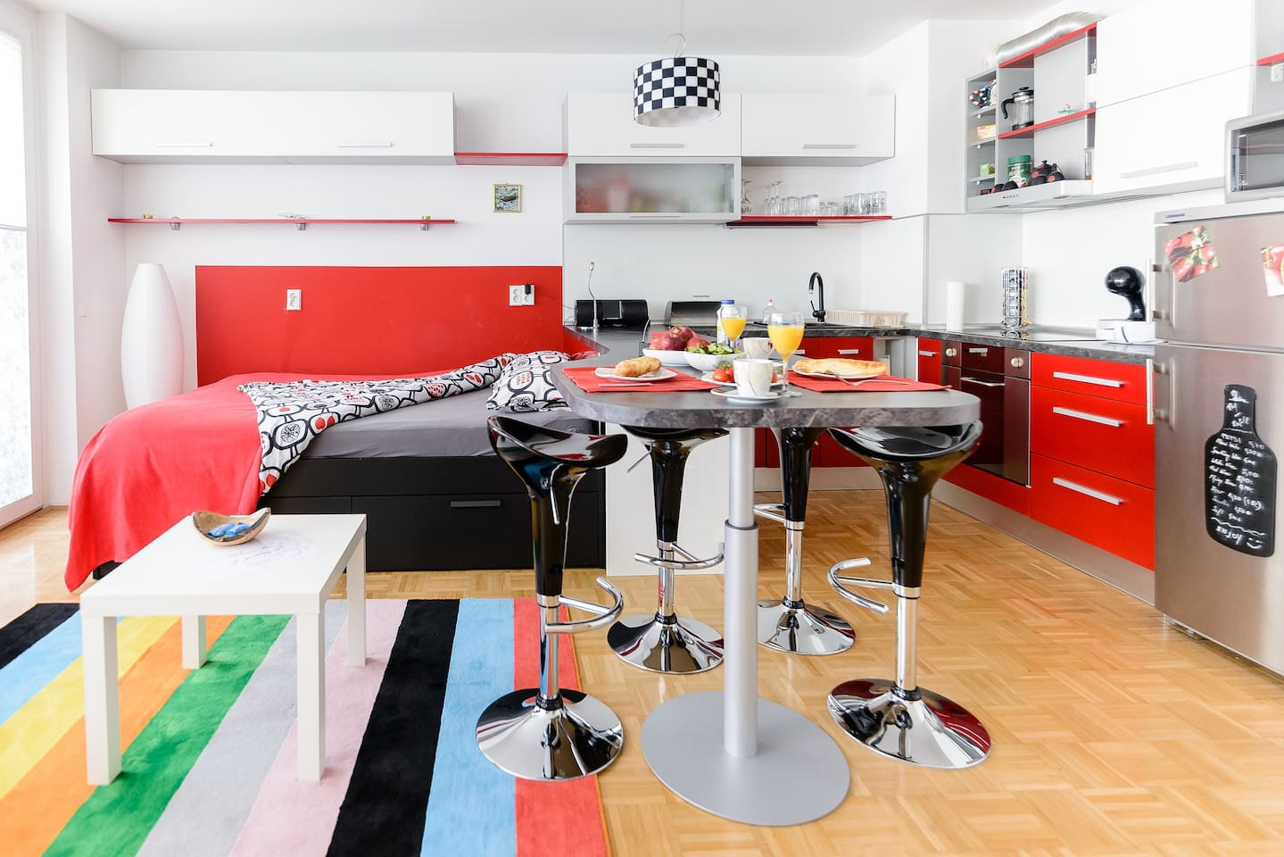 Modern, funky, clean and stylish apartment for you to enjoy.
