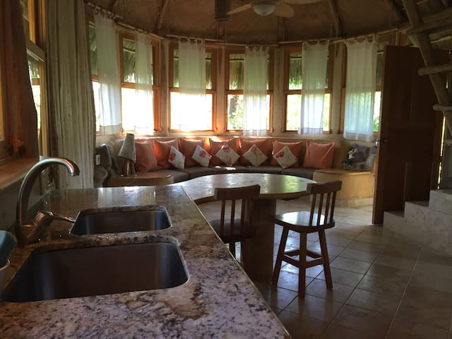 Cabin Girasol
