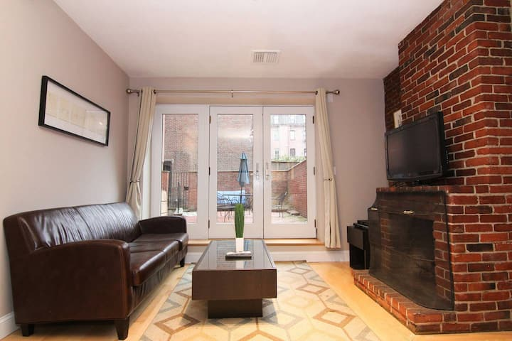 Beautiful 2Bedroom in the South End, Garden Unit