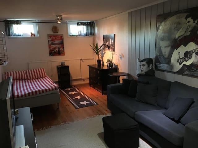 Ett av sovrummen, en 120 säng och plats för 2 extra sängar
