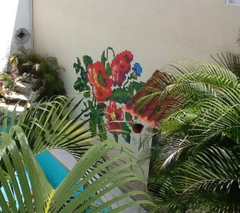 Great location near downtown! - Mérida