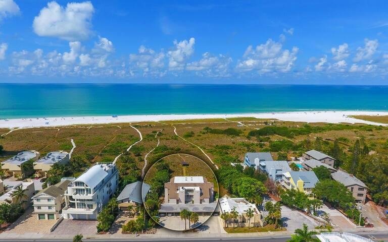 At The Beach Retreat 2BR/2Bath Siesta Key Beach
