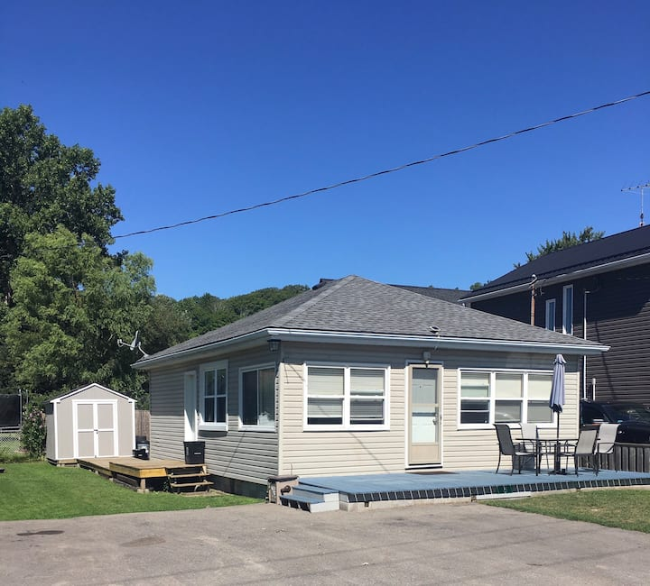 Attn Snowbirds cottage for monthly rent for winter