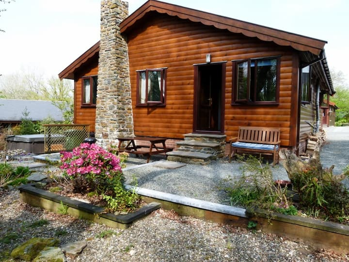 Milk Wood Lodges; Wnion Wood with Sauna