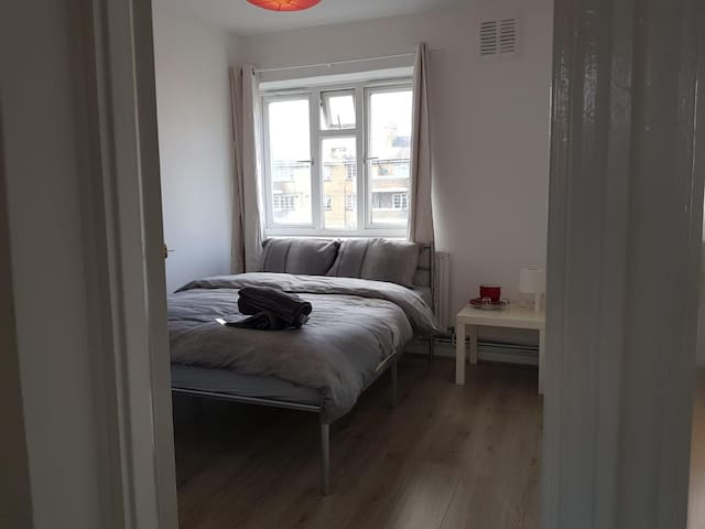 Beautiful double room in city of london