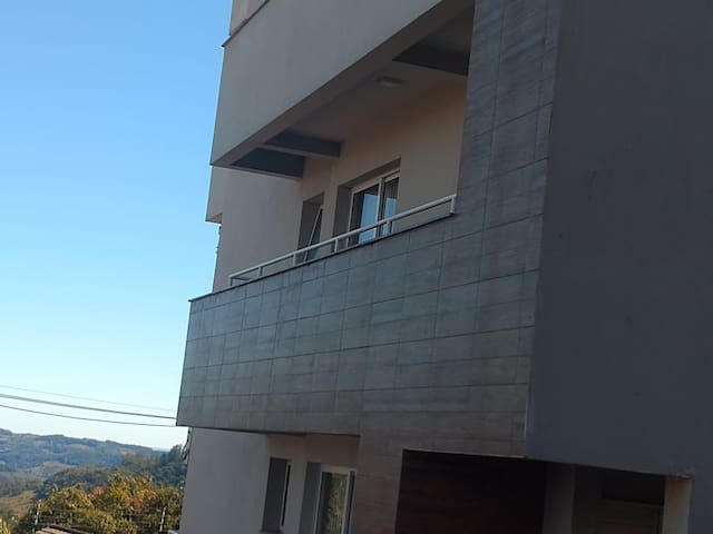 Apartamento amplo, 2 quartos no Maria Goretti