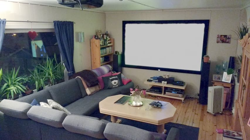 Stor leilighet i rolige omgivelser på Klyve - Skien - Byt