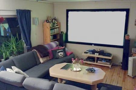 Stor leilighet i rolige omgivelser på Klyve - Skien - Wohnung