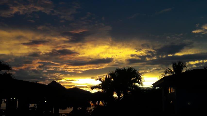 Playa Hermosa villa y suite