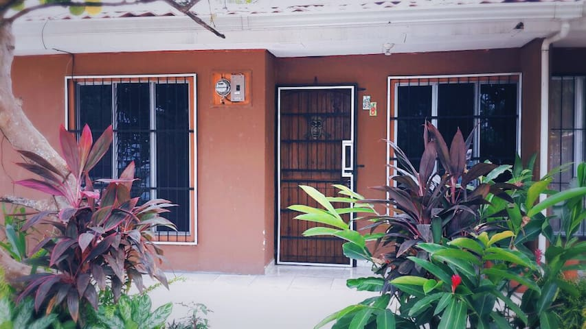 Comfortable Condo - Playa Jaco - Apartment