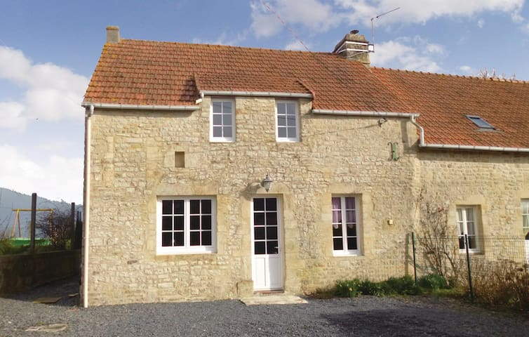 Holiday cottage with 3 bedrooms on 110 m² in Englesqueville Percee