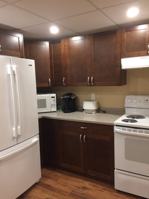 Brand new kitchen with all you will need for your vacation, plus outdoor bbq area overlooking the gorgeous views of the lake!