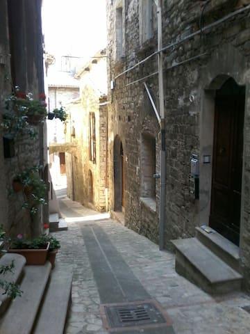 Confortevole bilocale in pieno centro storico